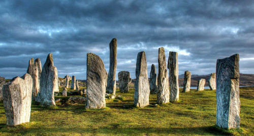 Charla coloquio: Piedras de poder a través de la historia